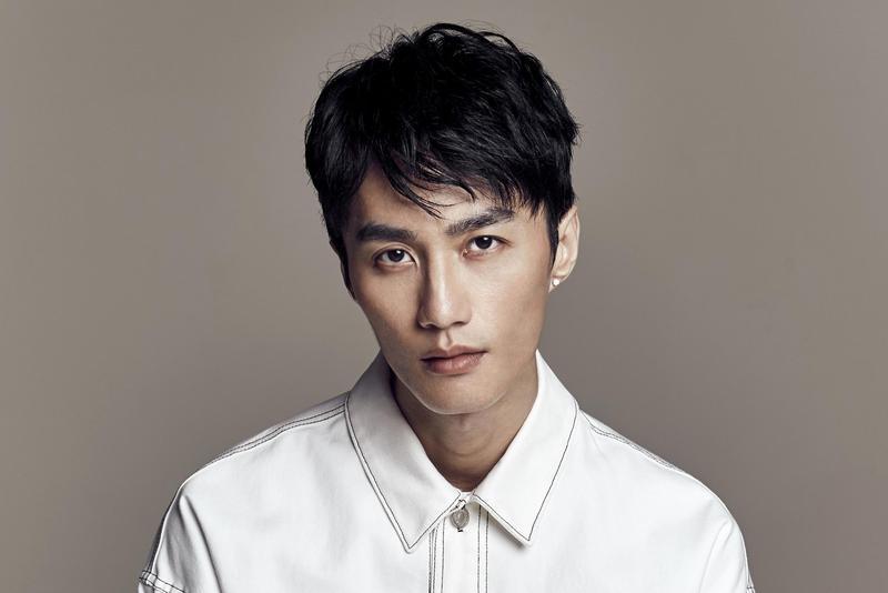 李英宏17日將憑著為電影《誰先愛上他的》創作的主題曲〈峇里島〉踏上金馬紅毯。(顏社提供)