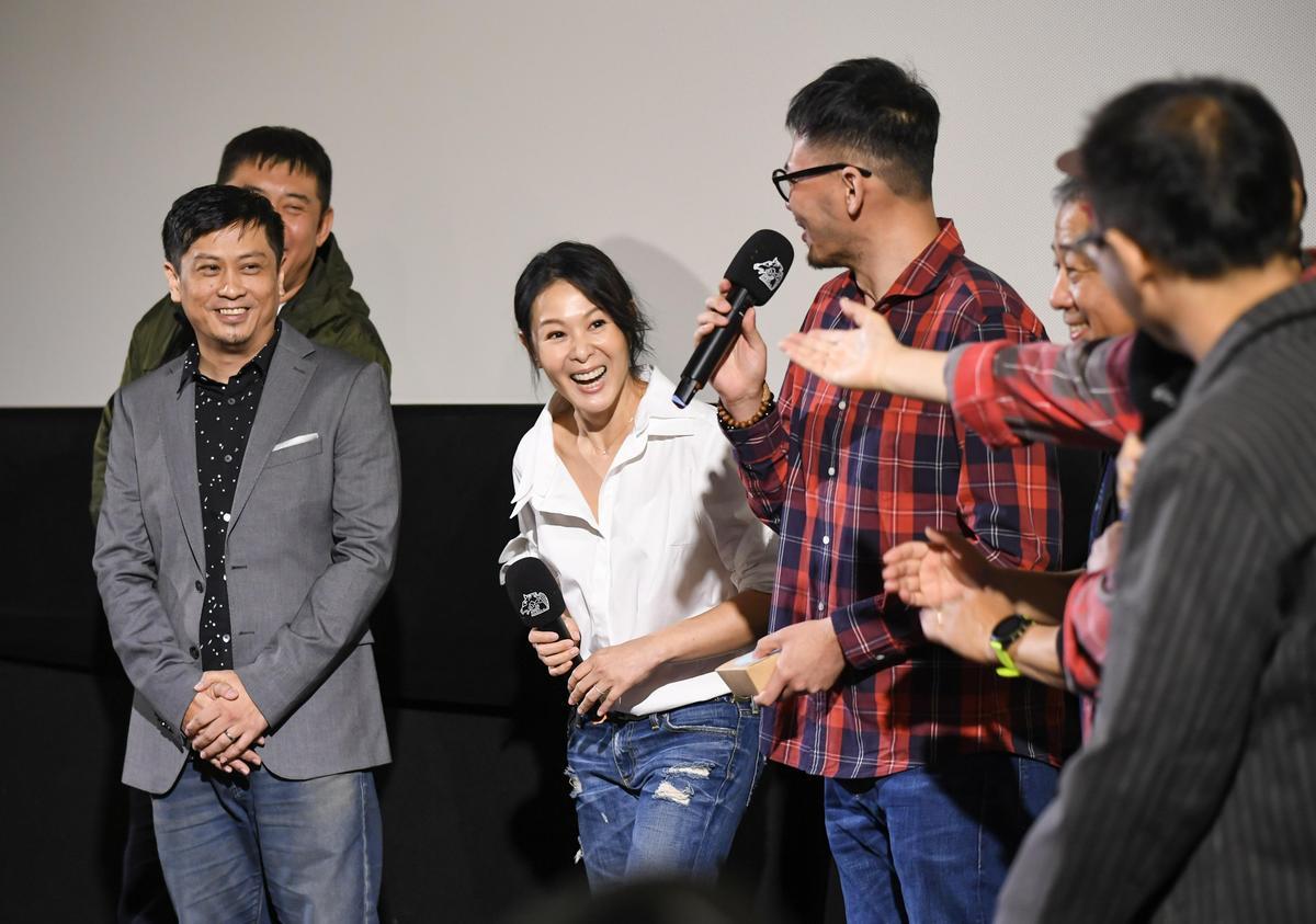 圖說:劉若英(中)帶著主創參加《後來的我們》映後座談。(甲上提供)