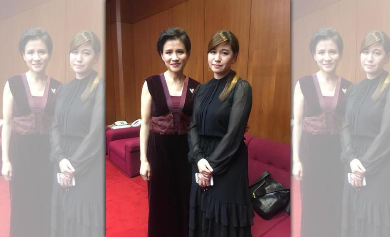 文化部長鄭麗君在金馬獎結束後,馬上在臉書PO了一張與導演傅榆的合照,並表示,「這裡是台灣,不是『中國台灣』。」