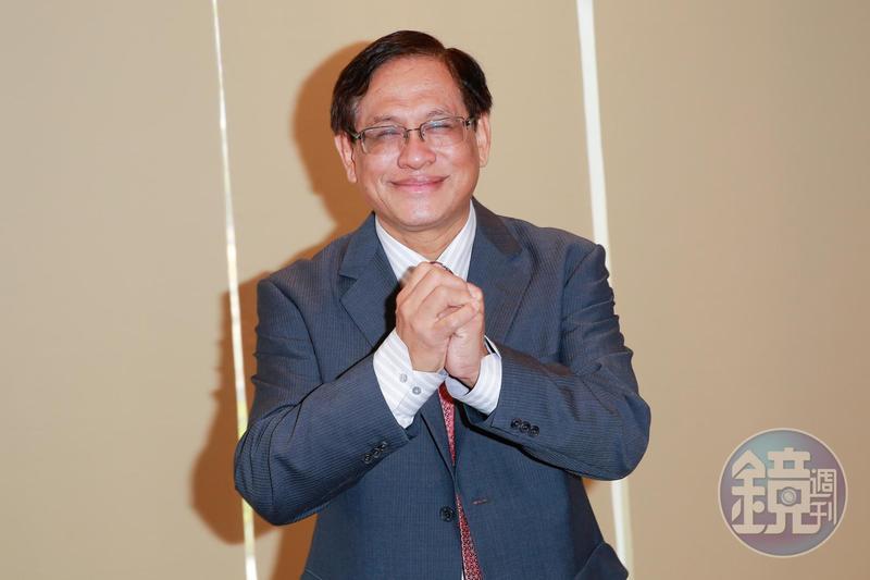 民視《政經看民視》節目在14日封關後仍在討論民調,引發爭議,董事長郭倍宏(圖)也知情,並裁示照播不誤。