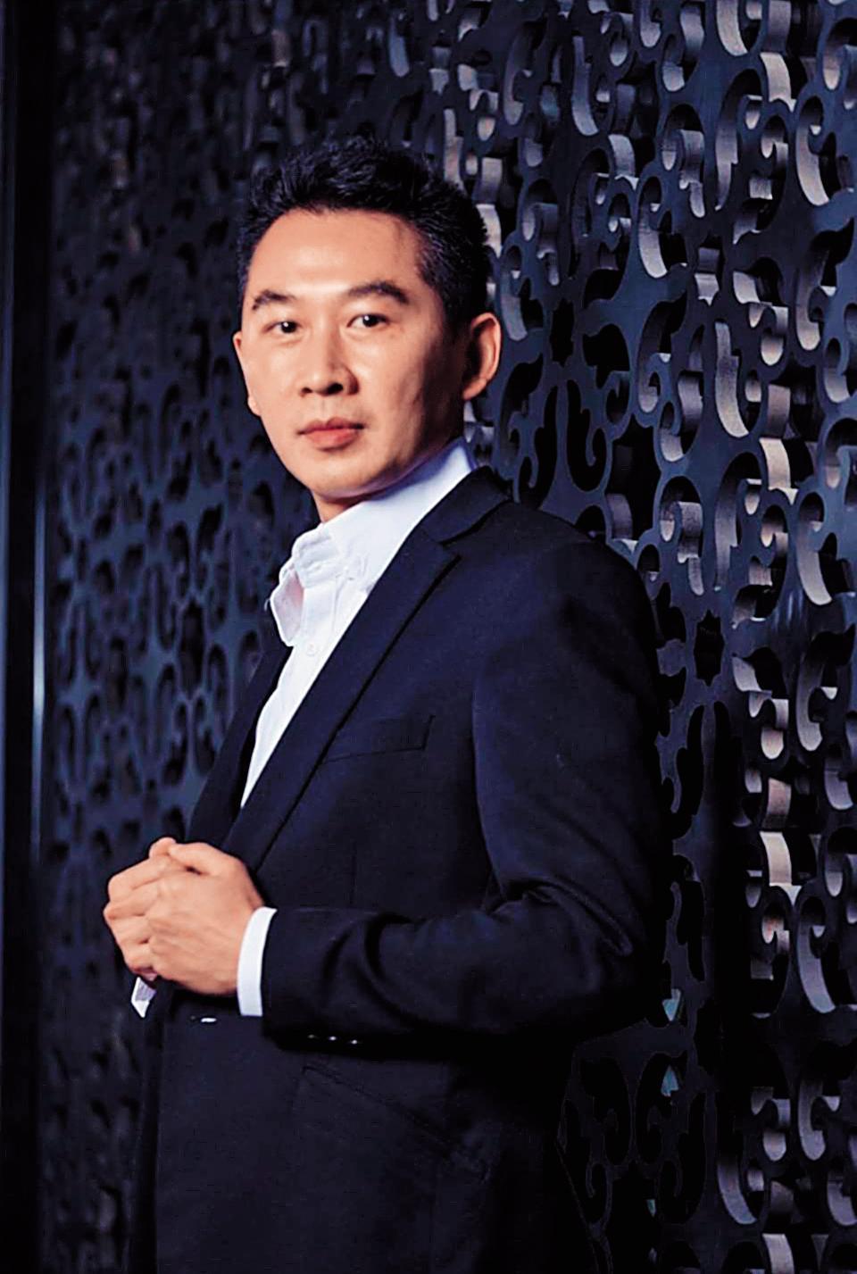 負責美仕特餐廳裝潢的設計師江奕宸有超過7百萬元尾款未收,損失慘重。(江奕宸提供)