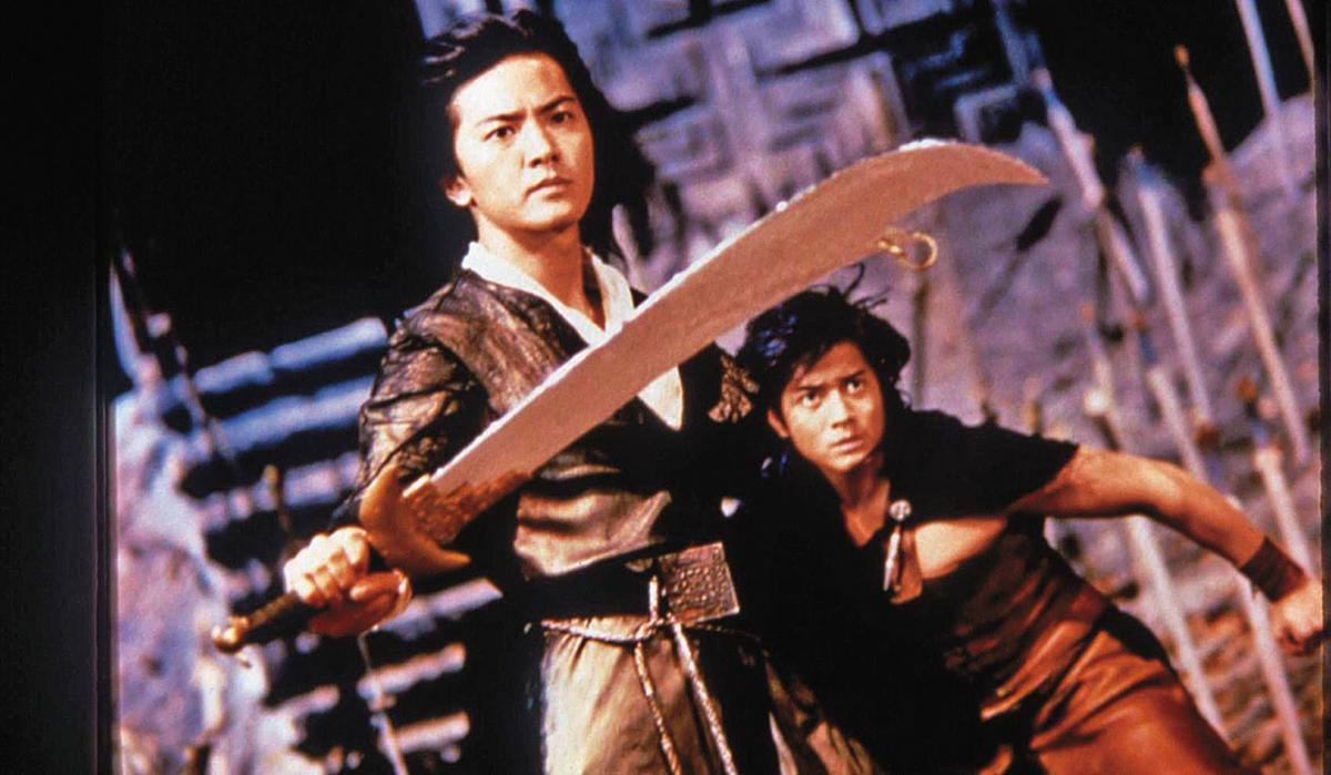 鄭伊健(左)與郭富城(右)主演的《風雲之雄霸天下》是一九八八年香港電影賣座冠軍。(翻攝自http://hk.nowbaogumovies.com)