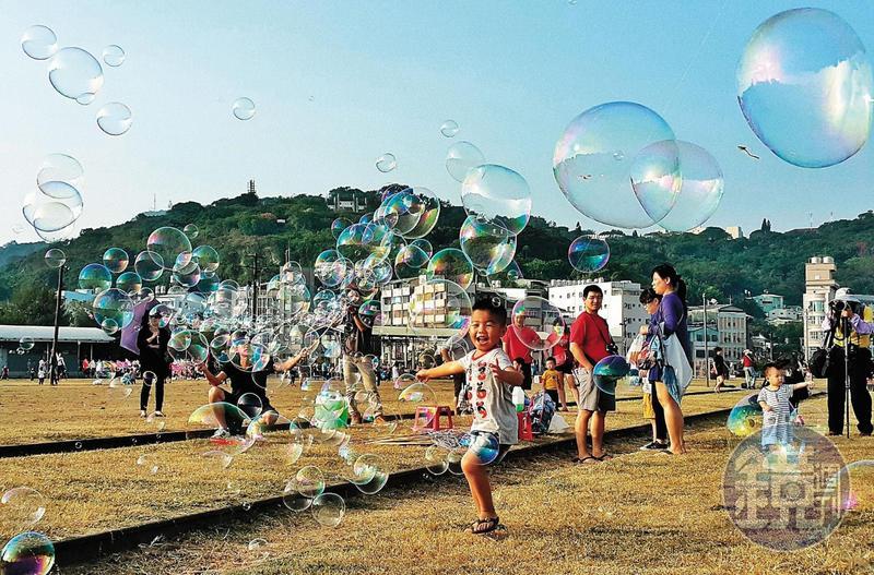 陳菊市府團隊12年的努力被「韓流」抹煞得一文不值,圖為高雄哈瑪星鐵道文化園區。