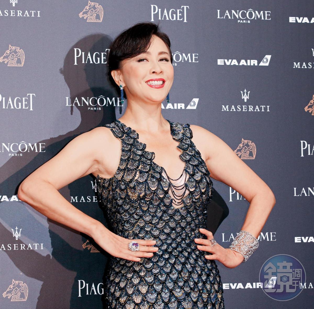 劉嘉玲在今年紅毯的魚類圖鑑當中,與曾美慧孜的金鯉相抗衡,鱗光閃閃像條吳郭魚。