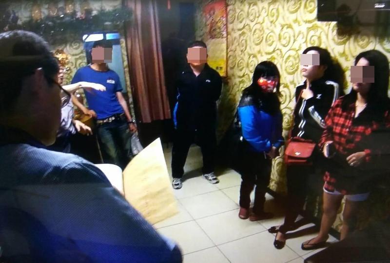 未成年少女到摩鐵參加轉大人趴被警方查獲,但發起人卻逃過一劫。(翻攝畫面/圖非當事人物地點)