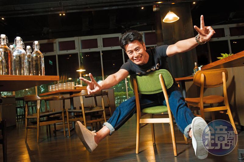 主持咖郭彥均自謙是演藝圈小資族,多年來節儉、理財,坐擁房產逾5千萬元。