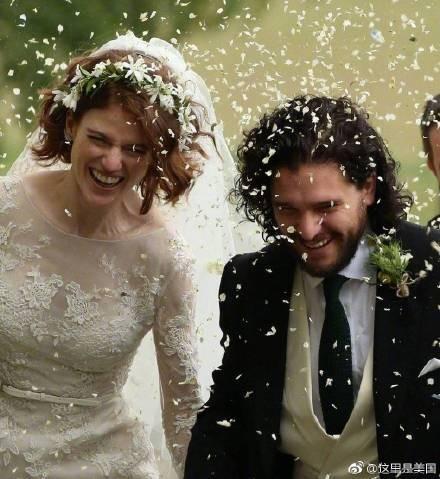 基特哈靈頓今年6月才和同劇演員蘿絲萊斯利結婚。(翻攝自這裡是美國微博)