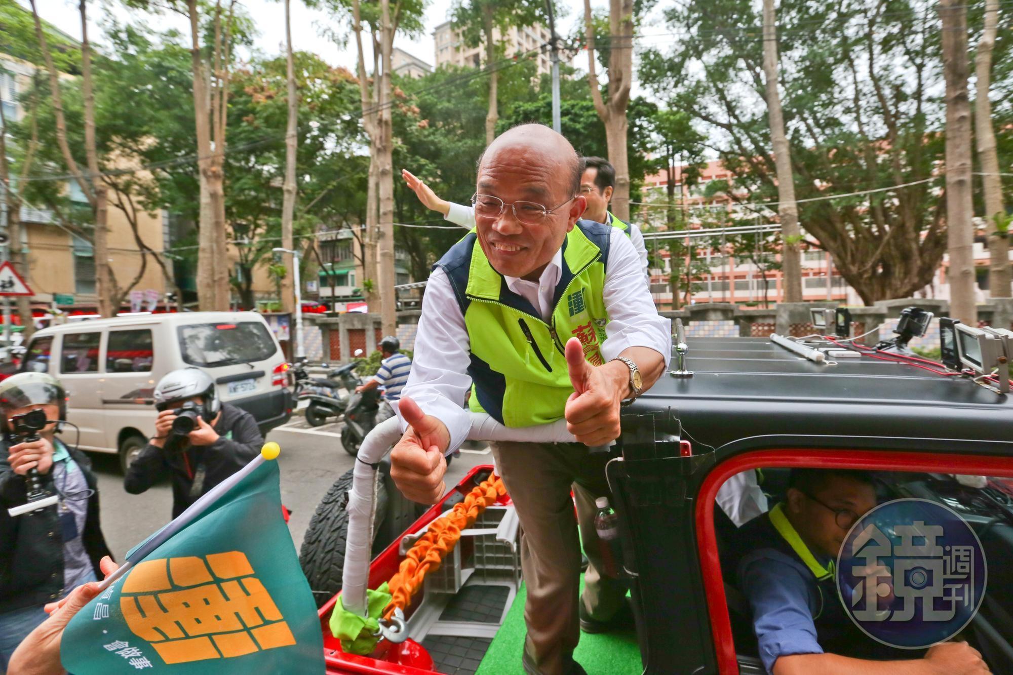 即便年過七十,蘇貞昌掃街拜票仍精神奕奕,以行動證明了寶刀未老。