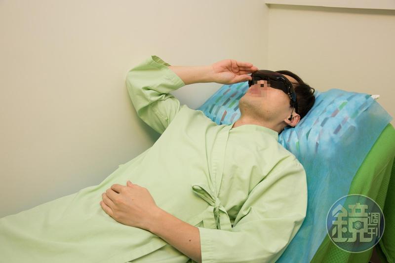 診療室裡備有A片,有性功能障礙的男性個案要透過DIY找出是不舉、遲射、早洩的問題及程度。