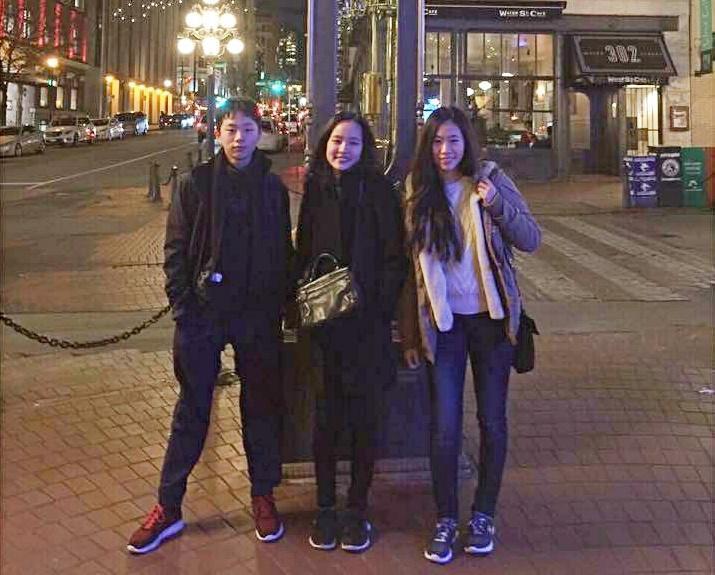 準高雄市長韓國瑜擁有二女一男,韓冰(中)希望大家給弟弟韓天(左)保有私人空間。(翻攝自韓青臉書)