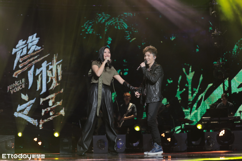 A-Lin與小宇重現經典合唱〈920〉。(量子娛樂提供)