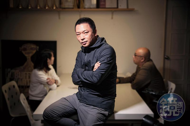 沈可尚新片《幸福定格》歷時7年完成,原本是想紀錄華人的婚紗文化,但結了婚發現自己對婚姻的想像完全不一樣,而改了創作的方向,探討婚姻的本質。
