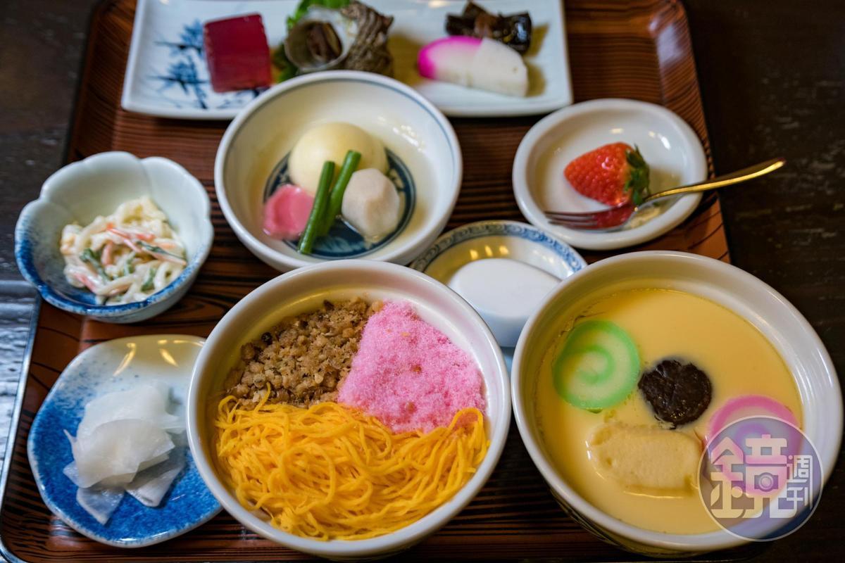 吉宗的「茶碗蒸定食」可以同時吃到代代相傳的茶碗蒸與蒸醋飯,兩者並稱為「夫婦蒸物」。(1,944日圓/份,約NT$521)