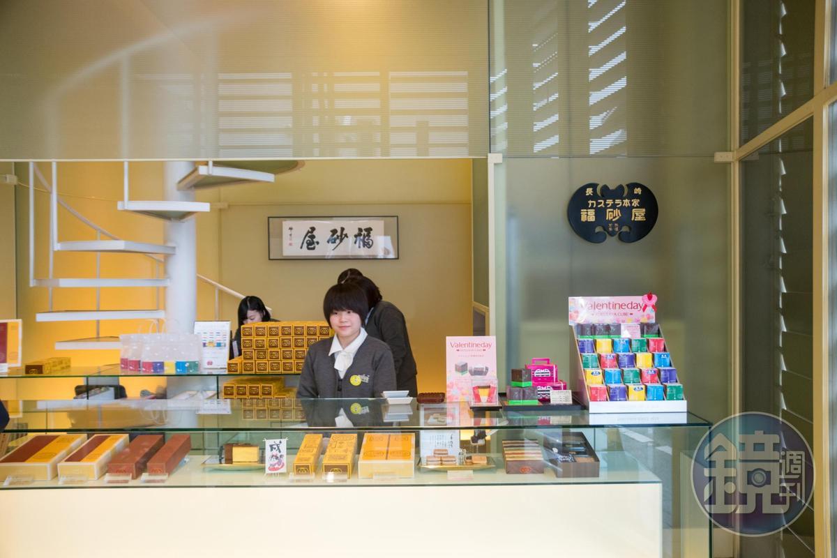 福砂屋本店飄散歷史味,新分店則走時髦簡潔風格。