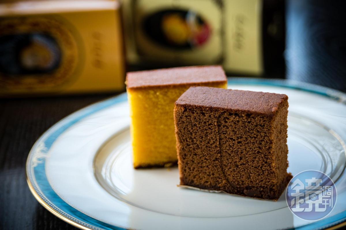 「松翁軒」是日本第一個做出巧克力口味長崎蛋糕的店家,口味偏甜。(原味、巧克力皆594日圓/條、0.3號,約NT$159)