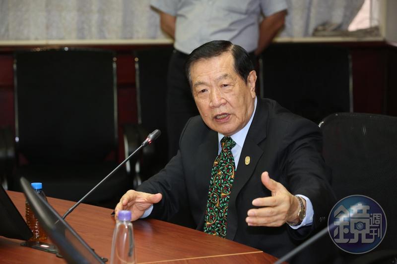 旅美刑事鑑識專家李昌鈺於12月1日與舊識蔣霞萍完婚。