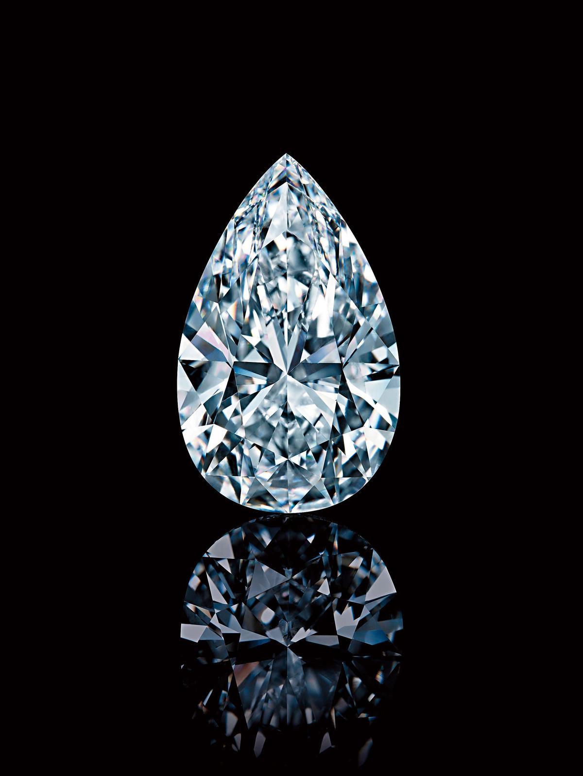 溫斯頓傳奇之鑽(Winston Legacy)重達101.73克拉、成色D淨度,被佳士得拍賣譽為「迄今為止公開拍賣的鑽石中最完美的一顆」。