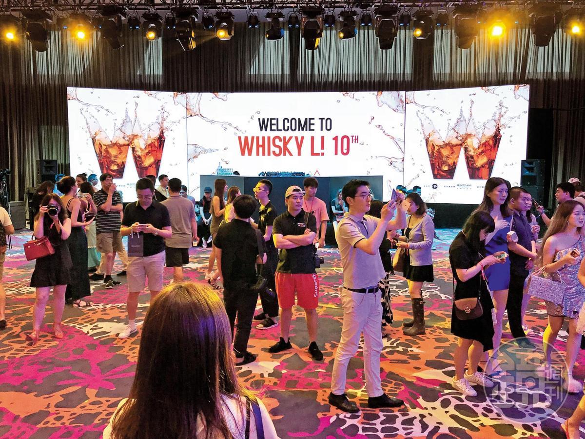 上海Whisky L 10週年:一轉眼間,上海WHISKY L已走過10年,明年將轉手給諾亞經營,繼續往前邁進。