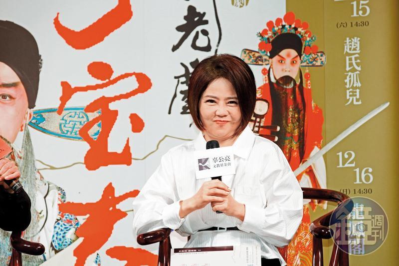 于美人的胖瘦變化是藝界的奇蹟之一,她的招牌圓臉可說是陳妍希進化版。