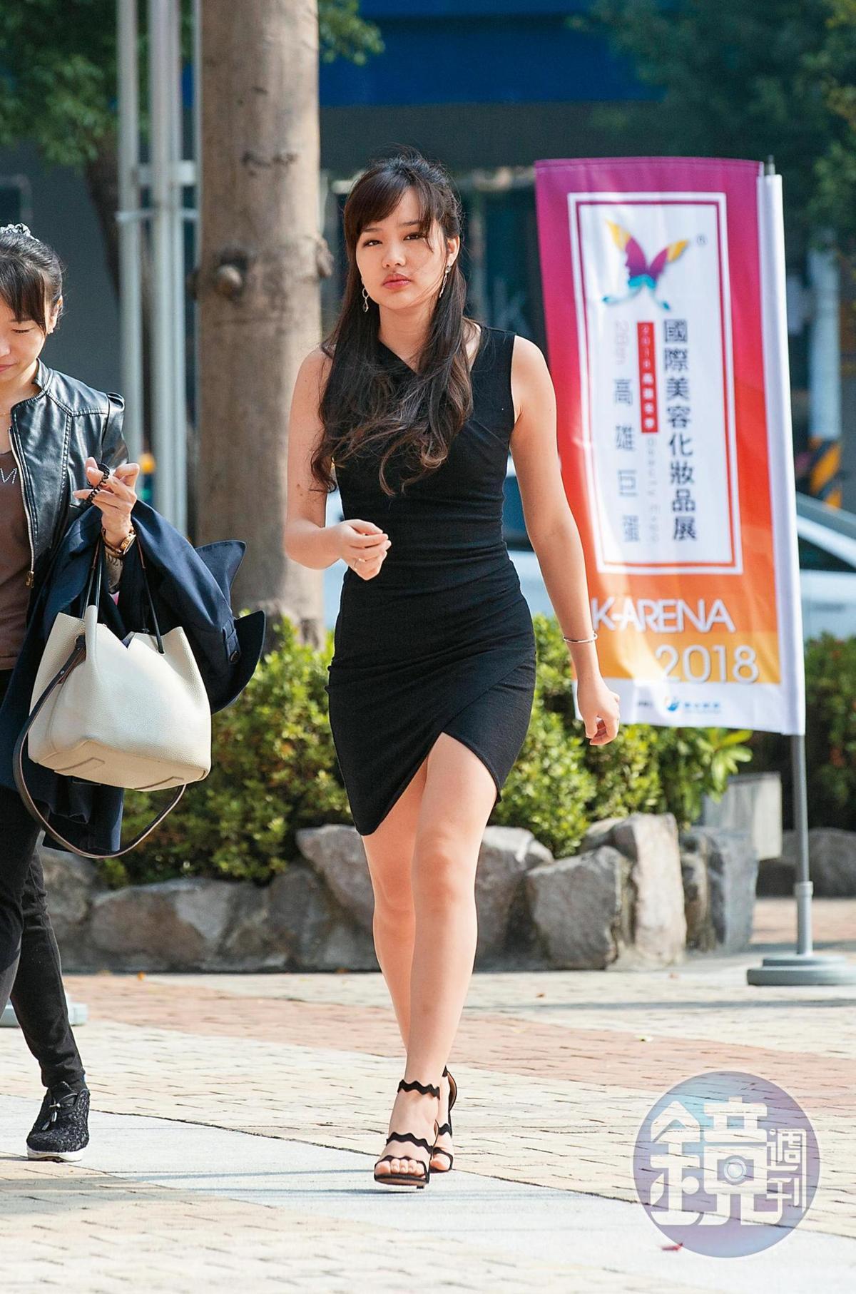 韓冰是剛結束的高雄市長選舉中的風雲人物,爸爸韓國瑜當選,她功不可沒。