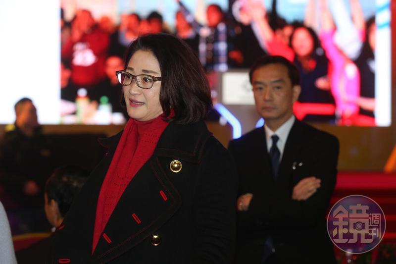 嚴凱泰遺留下包括裕隆、裕日車以及中華汽車三家上市櫃公司董事長職務,未來將交付到嚴陳莉蓮手中。