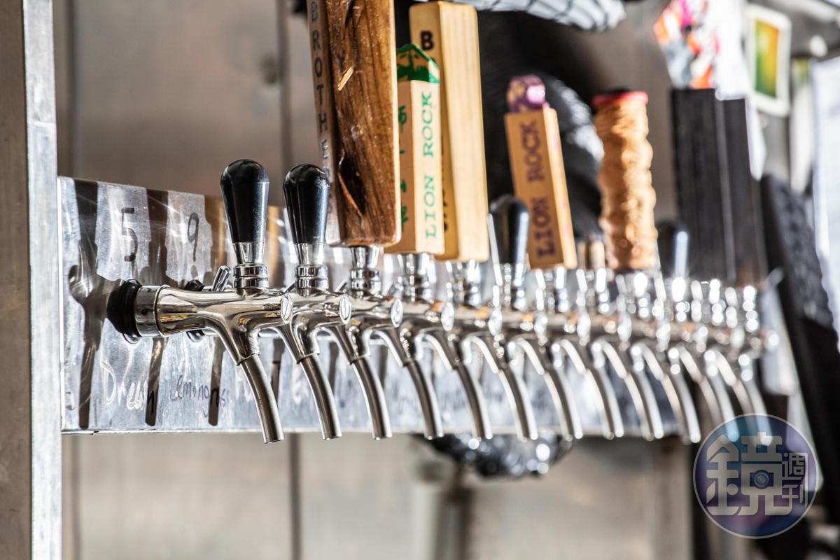 何蘭正每季都會挑選至少11種以上的香港本地啤酒。