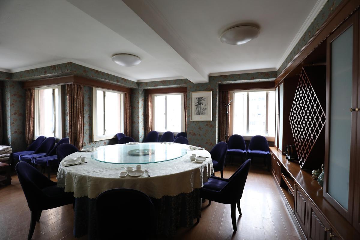 汪姐把用餐空間打理得清爽舒適,不輸外頭的飯店。