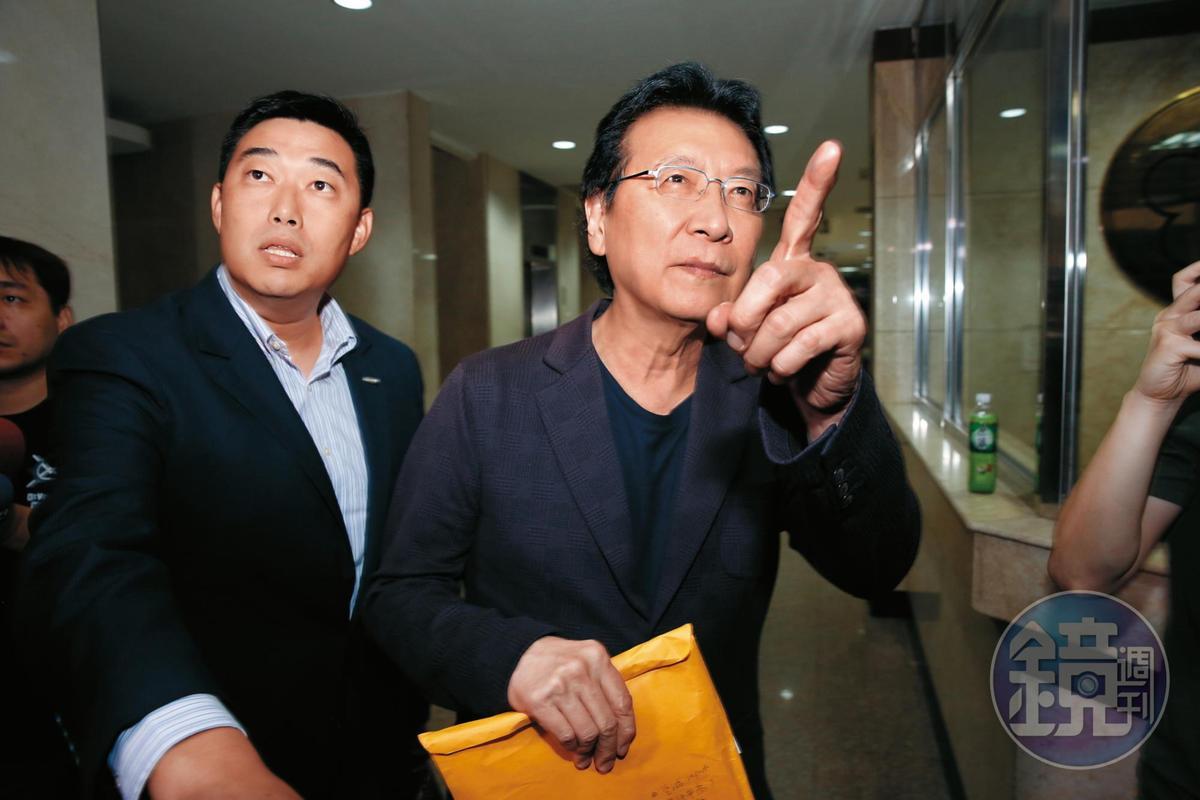 中廣交易案疑雲重重,外界懷疑國民黨賤賣黨產給名嘴趙少康。