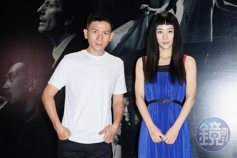 導演趙德胤(左)與演員吳可熙挑戰VR電影《幕後》。
