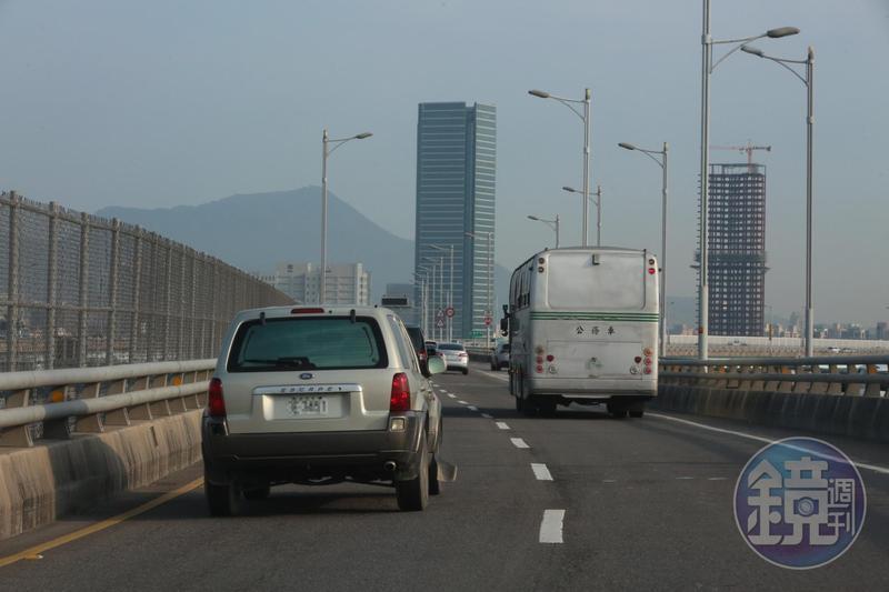 明年元旦起檢舉交通違規採實名制,圖為示意圖。