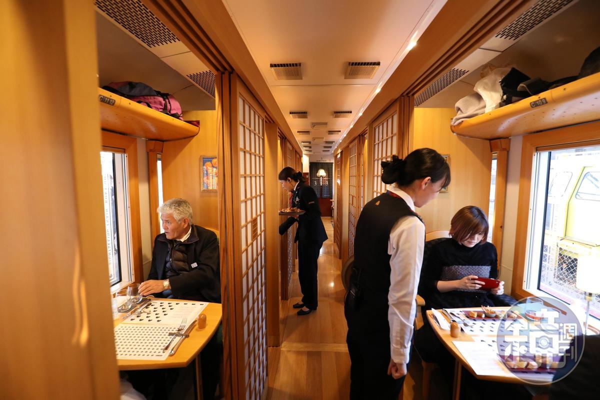 坐在和洋風格的包廂內,隨餐附上數款有侍酒師特別挑選的信州紅白酒。