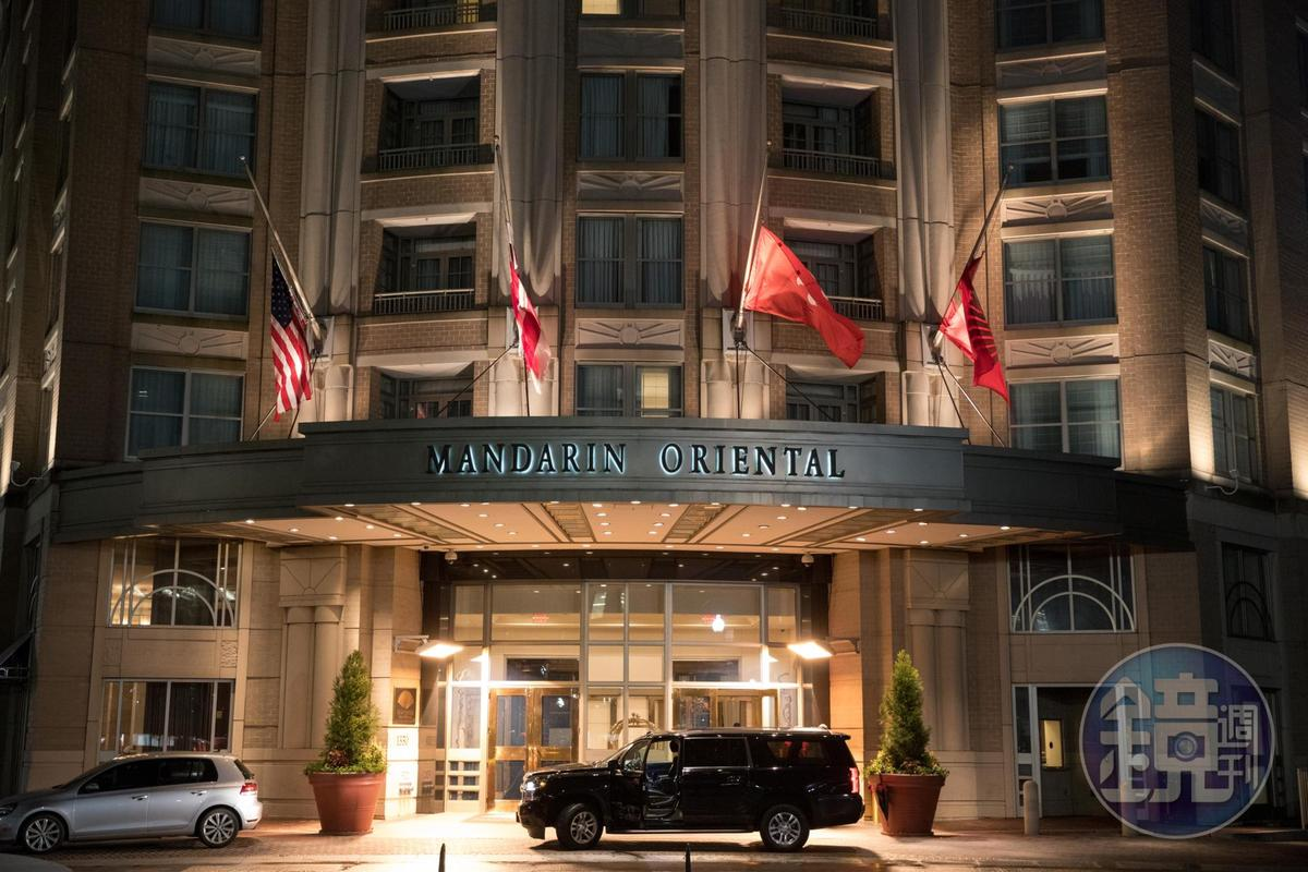 入夜的「文華東方華盛頓DC」,建築外觀有歐式美感。