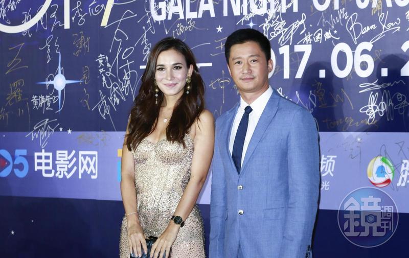 《戰狼2》導演兼男主角吳京(右)被傳出需追繳超過人民幣2億元的稅金。