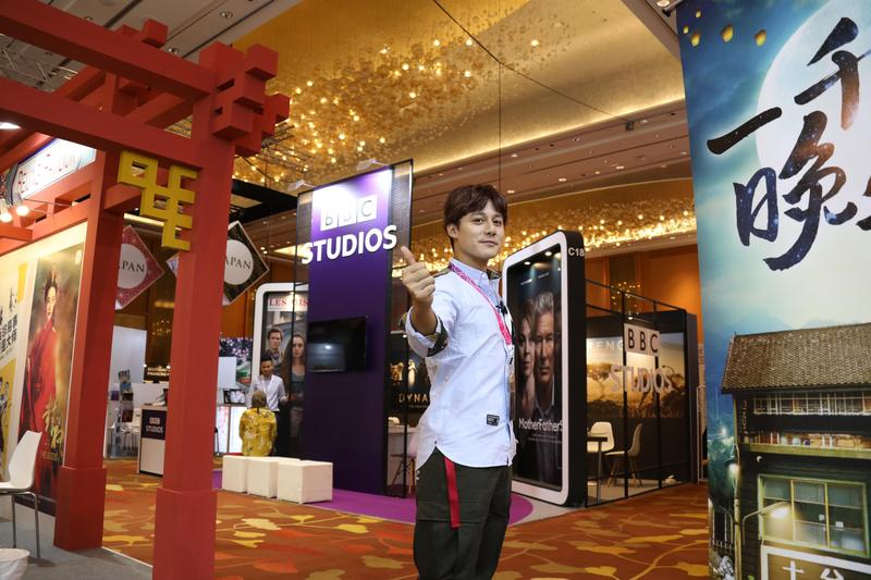 廖科溢在新加坡也頗有人氣。(亞洲旅遊台提供)
