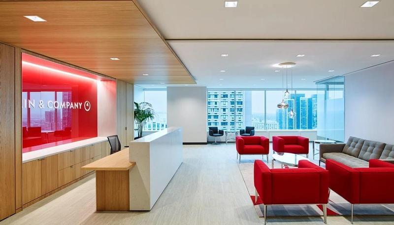 貝恩管理諮詢公司勇奪2019年全美最佳工作場所首位,圖為位於多倫多的辦公室。(翻攝自BAIN & COMPANY官網)
