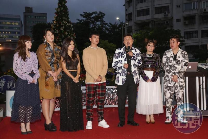 眾星昨(6日)參加華視「2018歲末感恩耶誕點燈」活動。