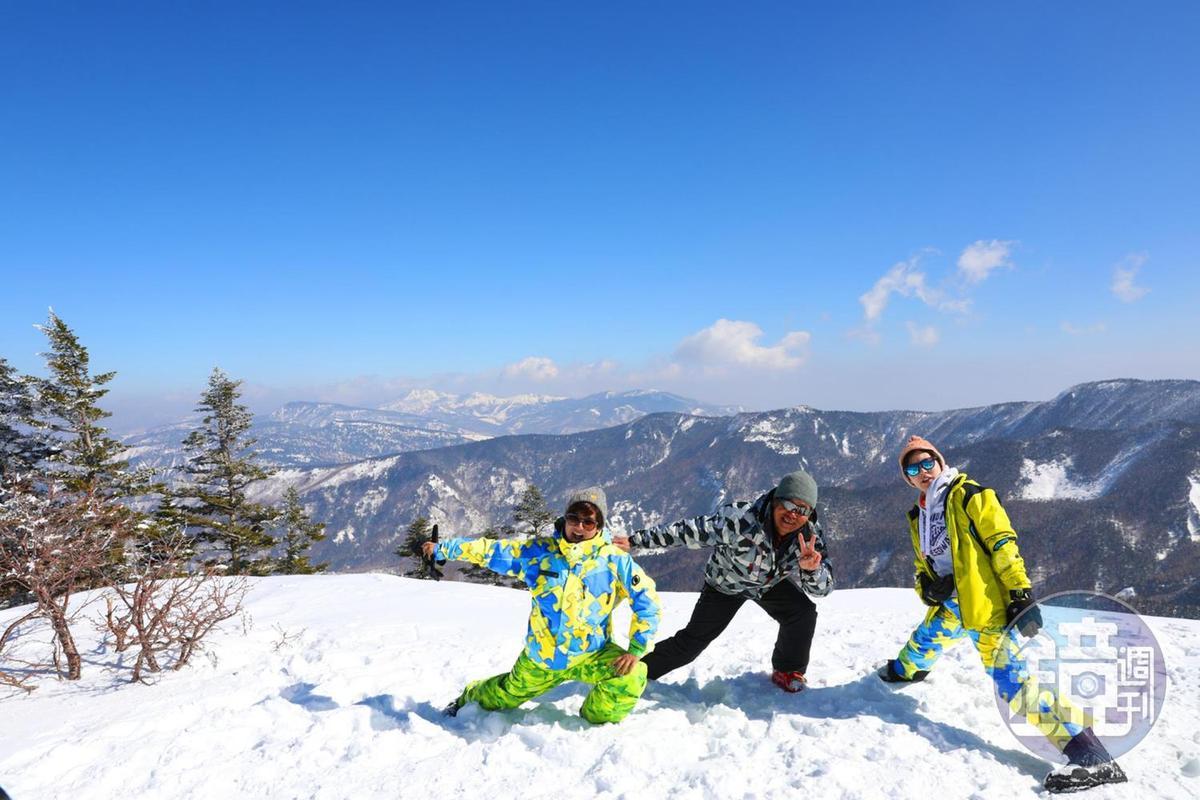 在山頂能夠將群山一覽無遺,親身感受長野「日本的屋脊」的美譽。