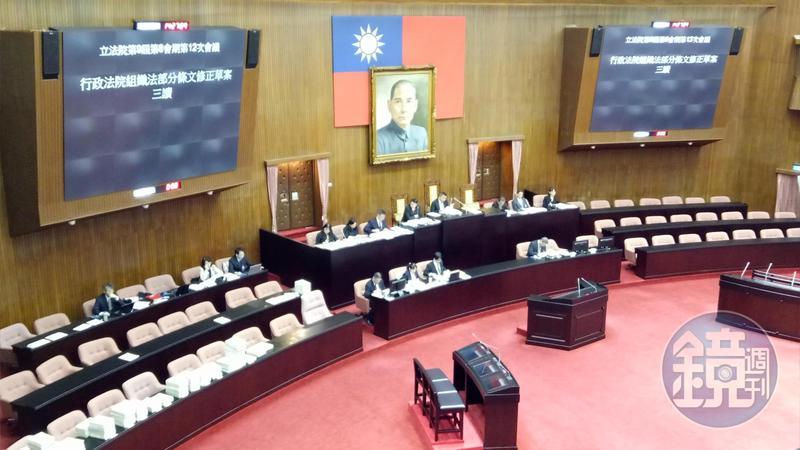 立法院院會今確定新增「大法庭制度」,未來可透過大法庭統一法院法律見解。
