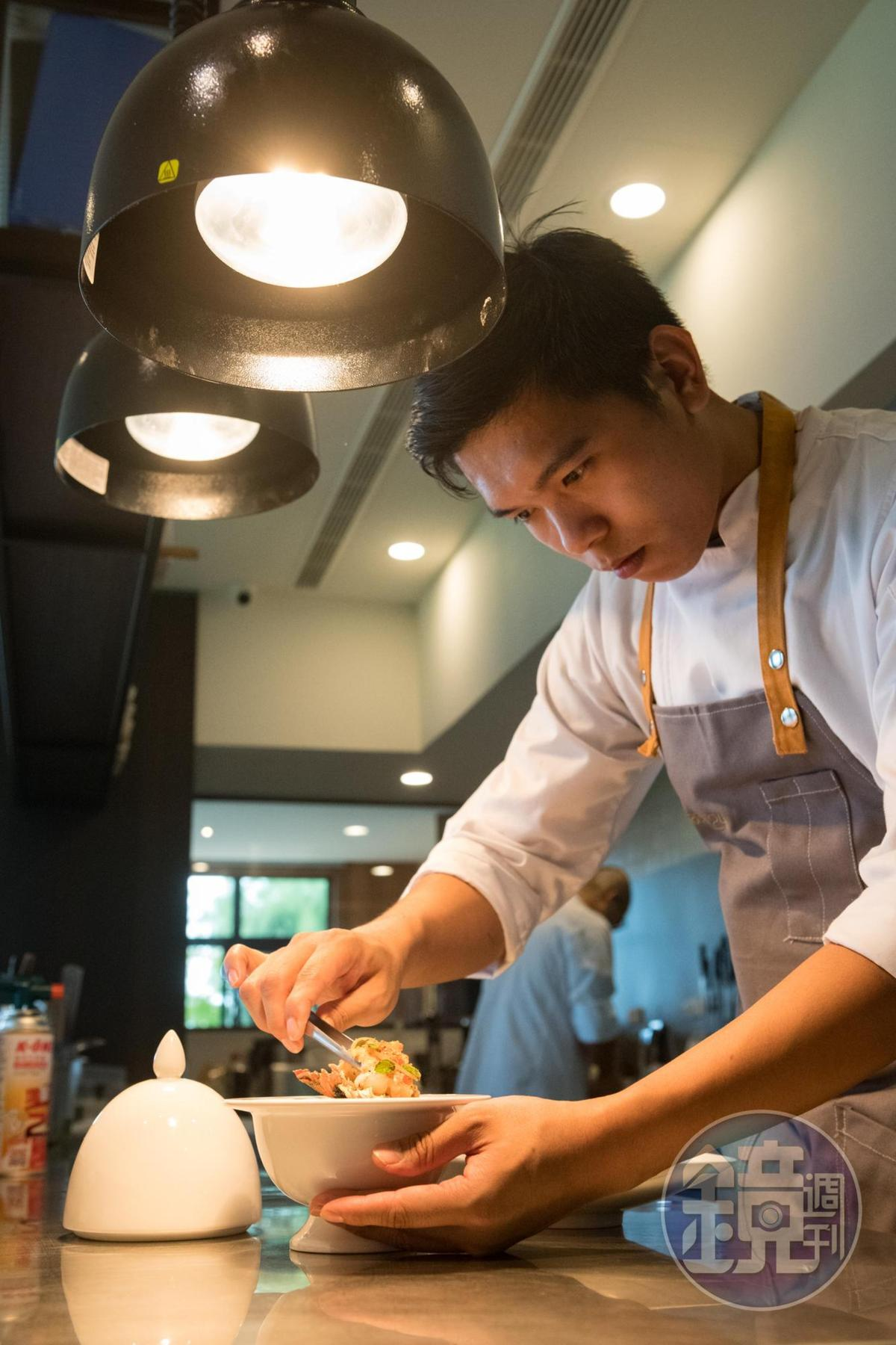 捨棄法國3星餐廳職位來到長濱的楊柏偉,以扎實的法菜技巧讓食材說話。