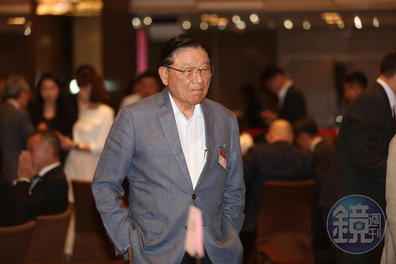 前海基會董事長江丙坤8日晚與友人聚餐時昏倒,目前人在馬偕醫院加護病房觀察中。