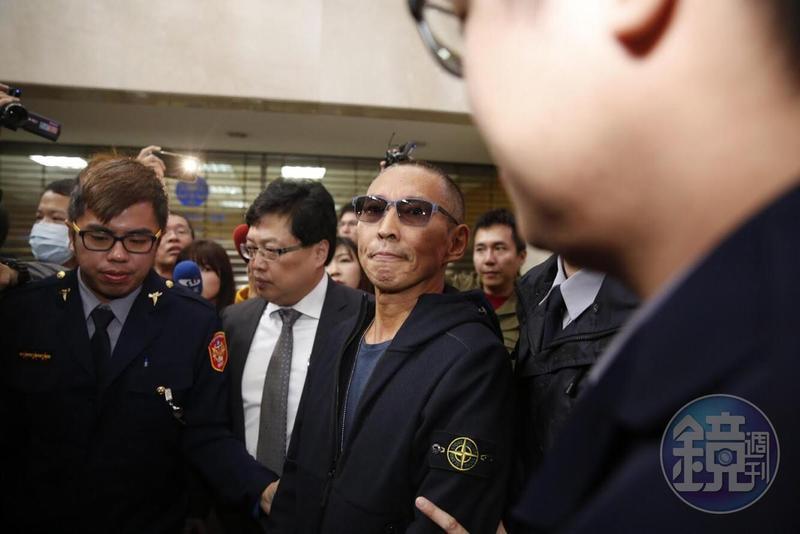 鈕承澤性侵事件越演越烈,今(10日)早他赴北檢應訊。