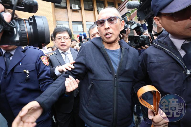 鈕承澤今(10日)赴北檢應訊,庭訊3個小時的過程,氣氛一度火爆。
