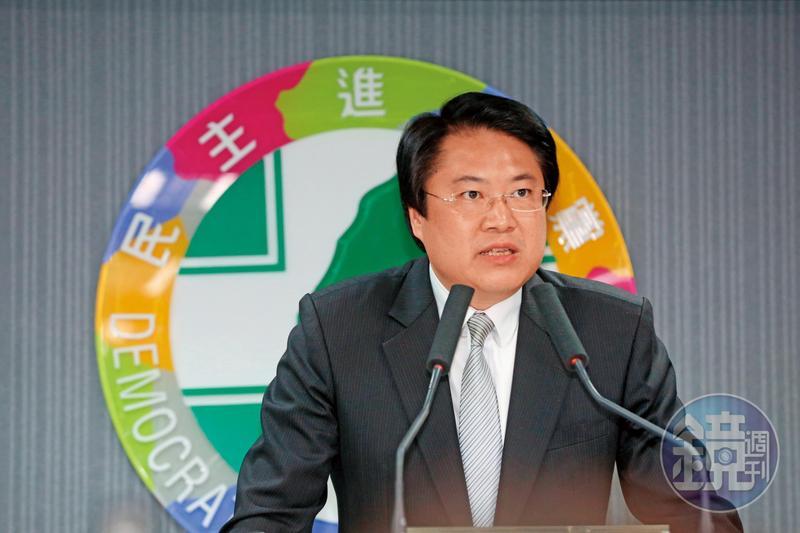 民進黨代理主席林右昌倡言民眾已不欠民進黨,民進黨以後也別再提對台灣民主貢獻。