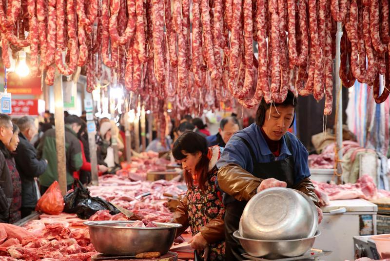 中國大陸非洲豬瘟疫情擴散至21省區,台人及旅客請勿攜帶肉製品入關。(東方IC)
