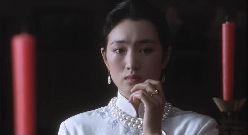 《霸王別姬》導演陳凱歌本來以「她是張藝謀的人」不想用鞏俐,但徐楓認為好演員大家都可以用,擇善固執而選定鞏俐演出菊仙一角。