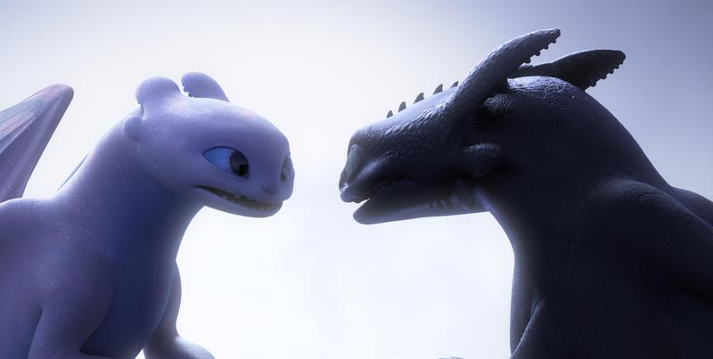 夜煞「沒牙」(右)這次在《馴龍高手3》,遇見一頭全白的「光煞」,展開系列冒險完結篇。(UIP提供)