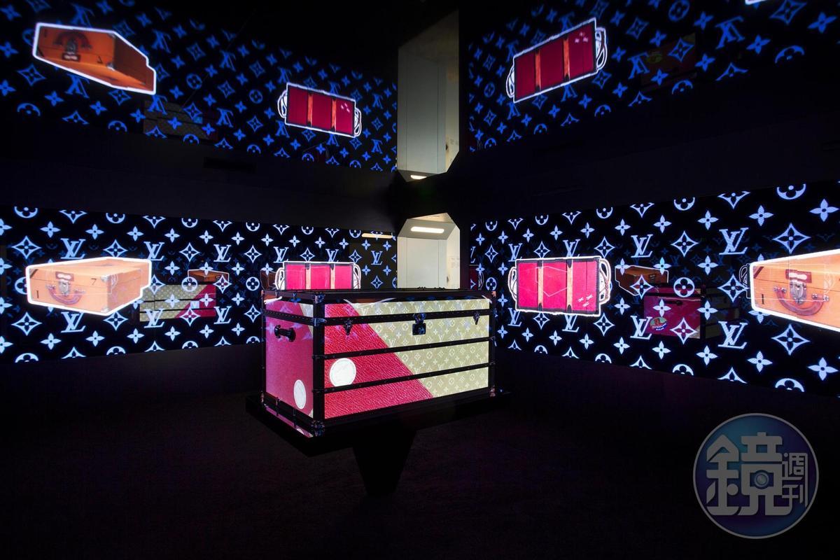 「時空・錦・囊」展覽內部空間,共分為六大主題。