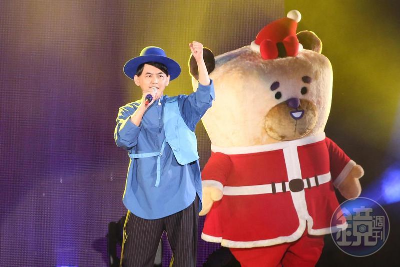 黃子佼首度站上萬人戶外演唱舞台,演唱新歌〈同樂會〉。