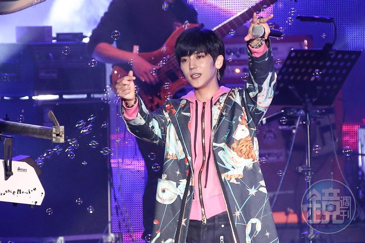 Bii畢書盡第6年參加新北市歡樂耶誕城「巨星耶誕演唱會」。