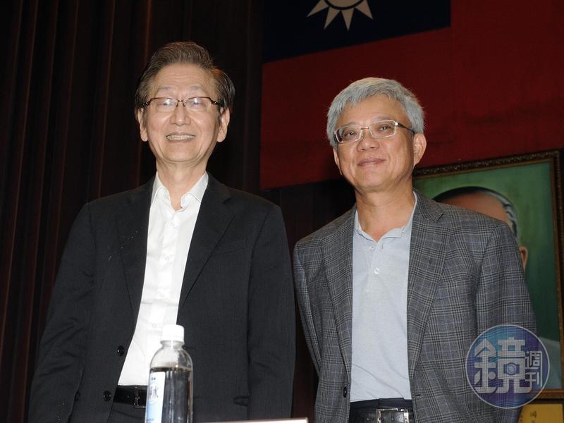 施崇棠2年多前啟動接班計畫,邀請創辦人之一的徐世昌(右)回鍋擔任策略長。